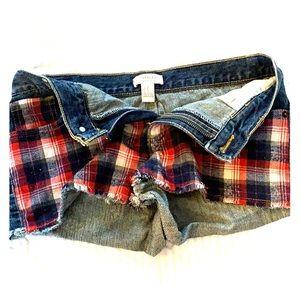 Forever 21 plaid shorts size 27